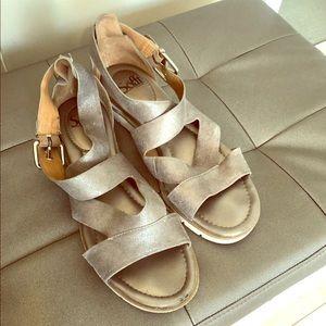 Sofft size 10 straps platform sandal